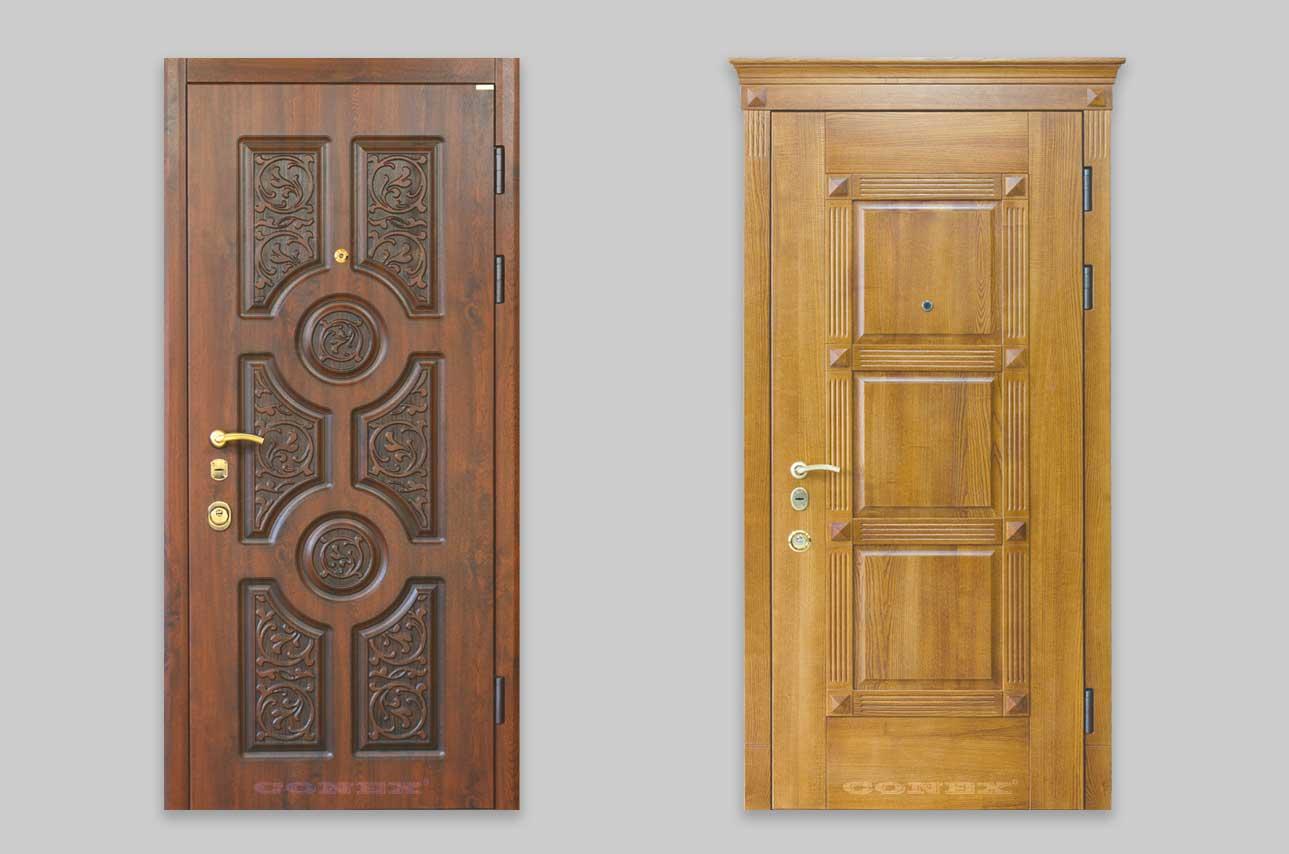 входная дверь с деревянной отделкой